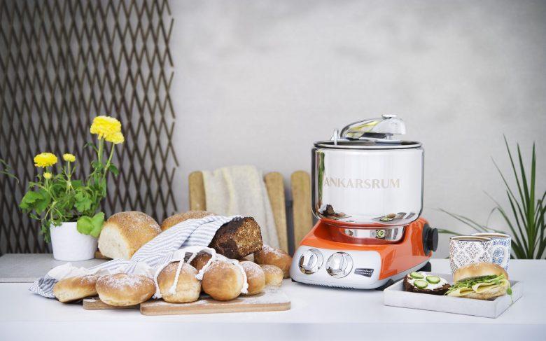 Stark und wertig: Die legendäre Küchenmaschine Assistent Original AKM 6230 von Ankarsrum
