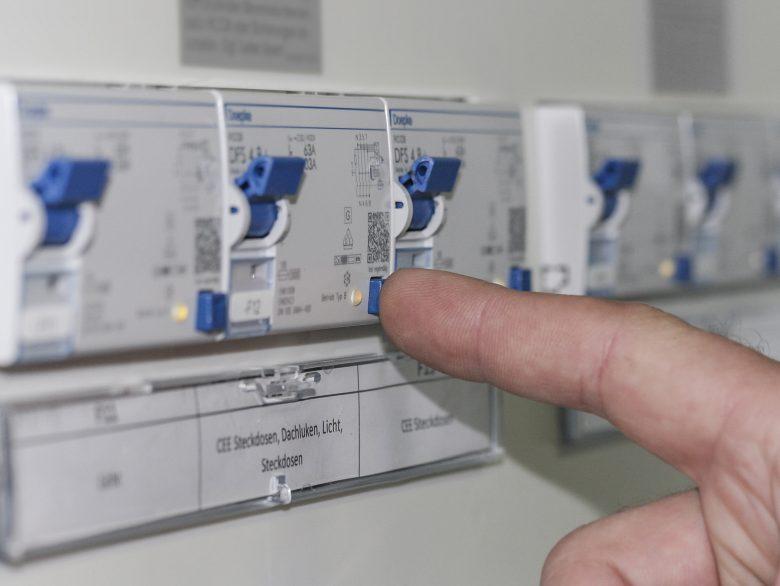 Haus und Bewohner vor elektrischen Gefahren schützen