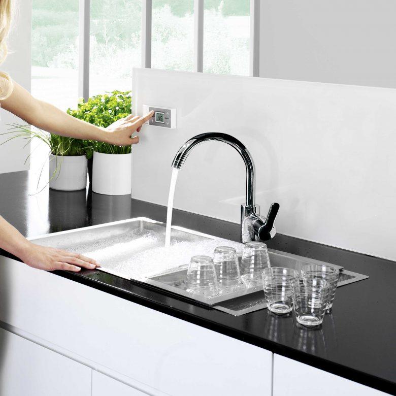 Homecooking statt Restaurant und Kantine: Mit effizienter Warmwasserbereitung die Nebenkosten senken