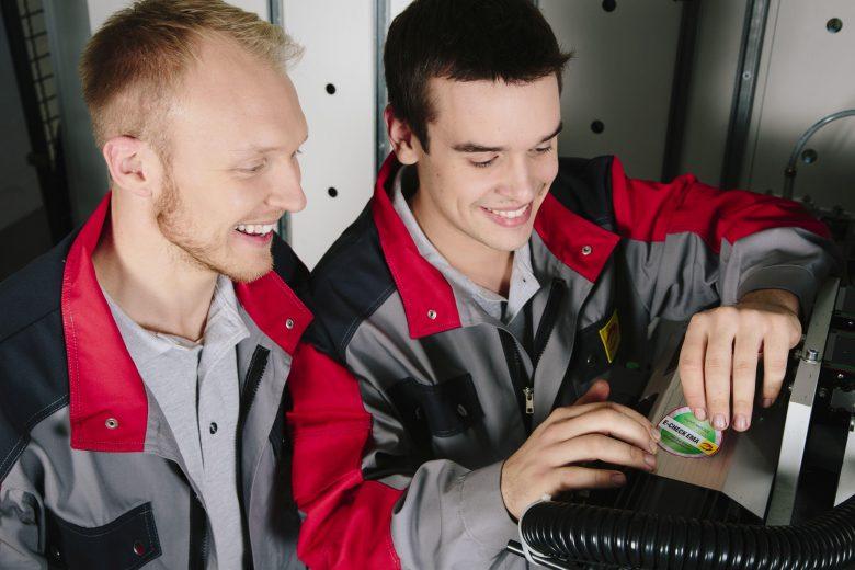 In Unternehmen die  Elektroinstallation, Maschinen und IT vor Ausfällen schützen